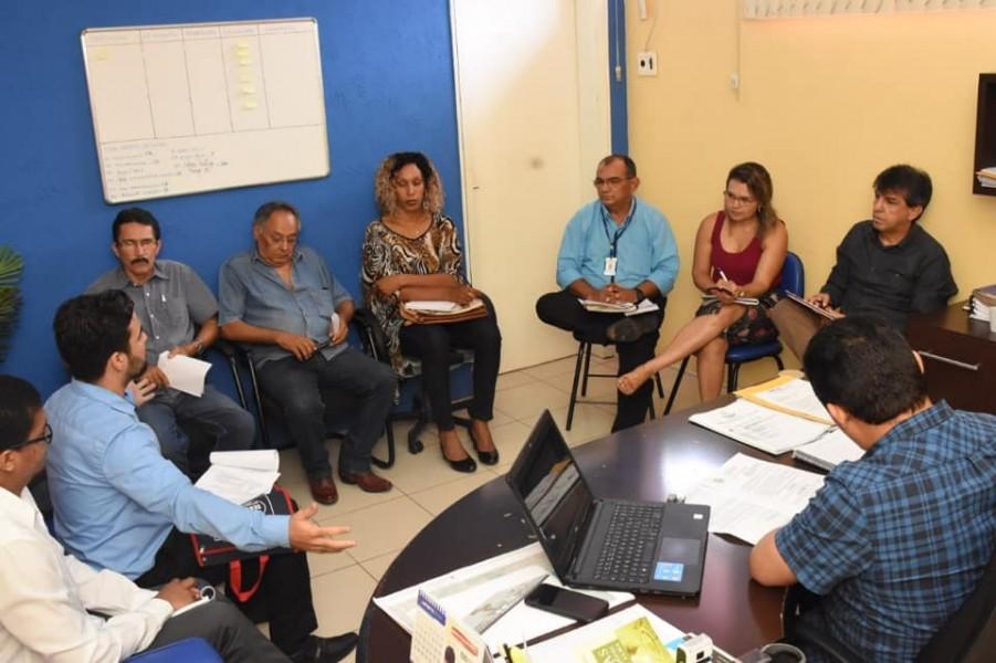 Prefeitura de Floriano e empresários esclarecem dúvidas e discutem melhorias para a classe