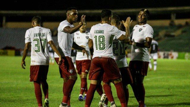 Fluminense tem dois pênaltis marcados e goleia o River no Albertão
