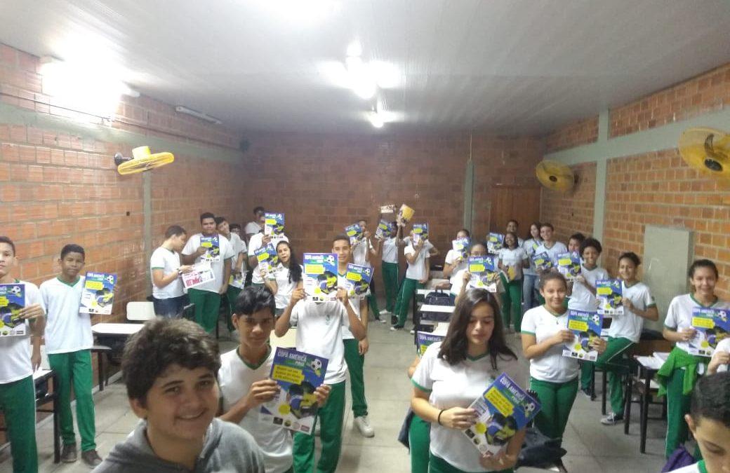 LANÇAMENTO: Alunos da Fundação da Paz ganham Revista Guia da Copa América 2019