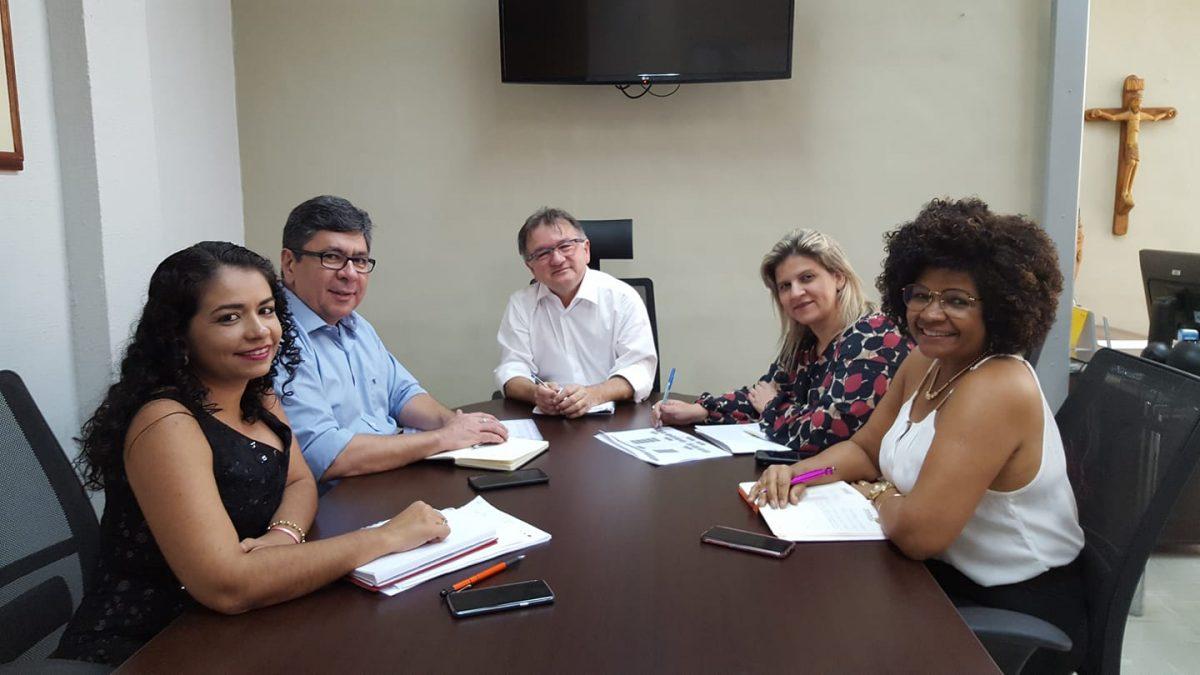 Merlong Solano assume administração e já realiza encontro com a equipe de trabalho