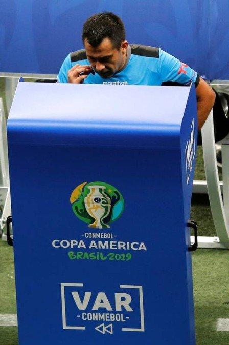 Jornais da Venezuela exaltam a 'ajuda' do VAR para empate com o Brasil na Copa América