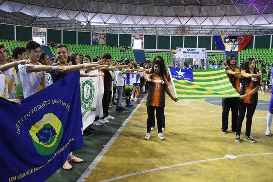 Jogos Escolares Piauienses é aberto com a presença da governadora em exercício Regina Sousa