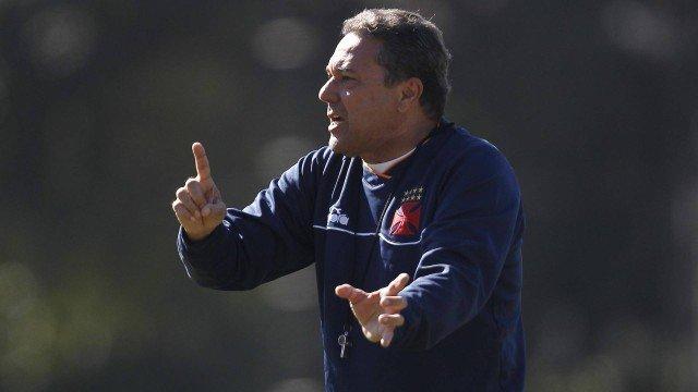 Luxemburgo explora opções diante de quatro desfalques do Vasco contra o Flamengo