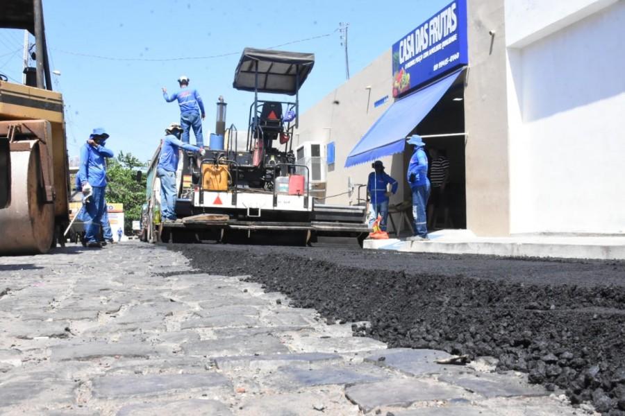 Começa o asfaltamento de uma das principais vias de ligação do centro de Floriano