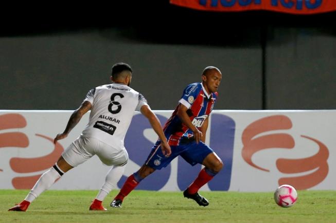 Ceará vira sobre o Bahia no último lance e devolve o Cruzeiro para a zona de rebaixamento