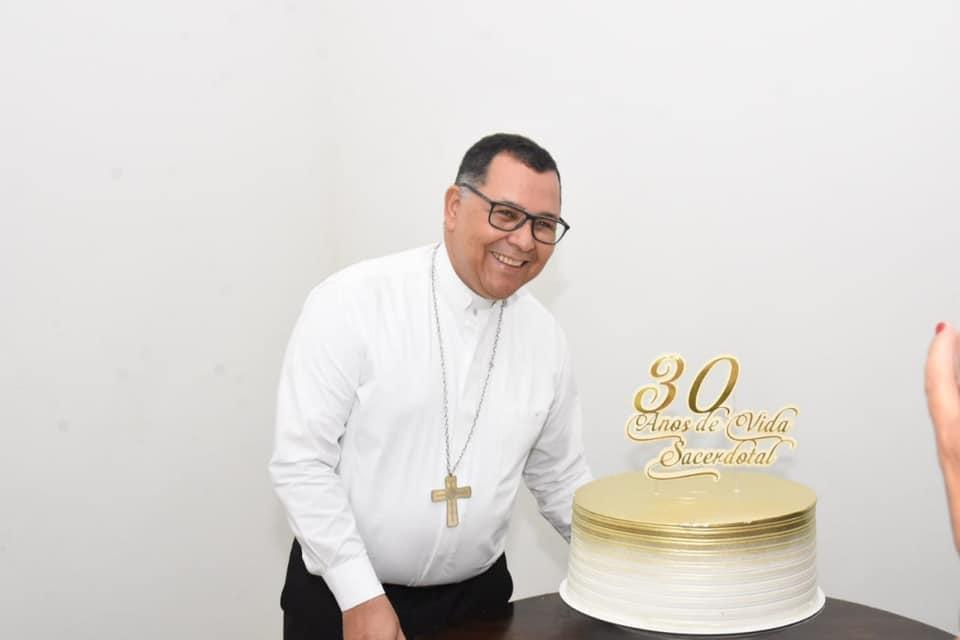 D. Edivalter Andrade  comemora 30 anos de Vida Sacerdotal em almoço festivo em Floriano