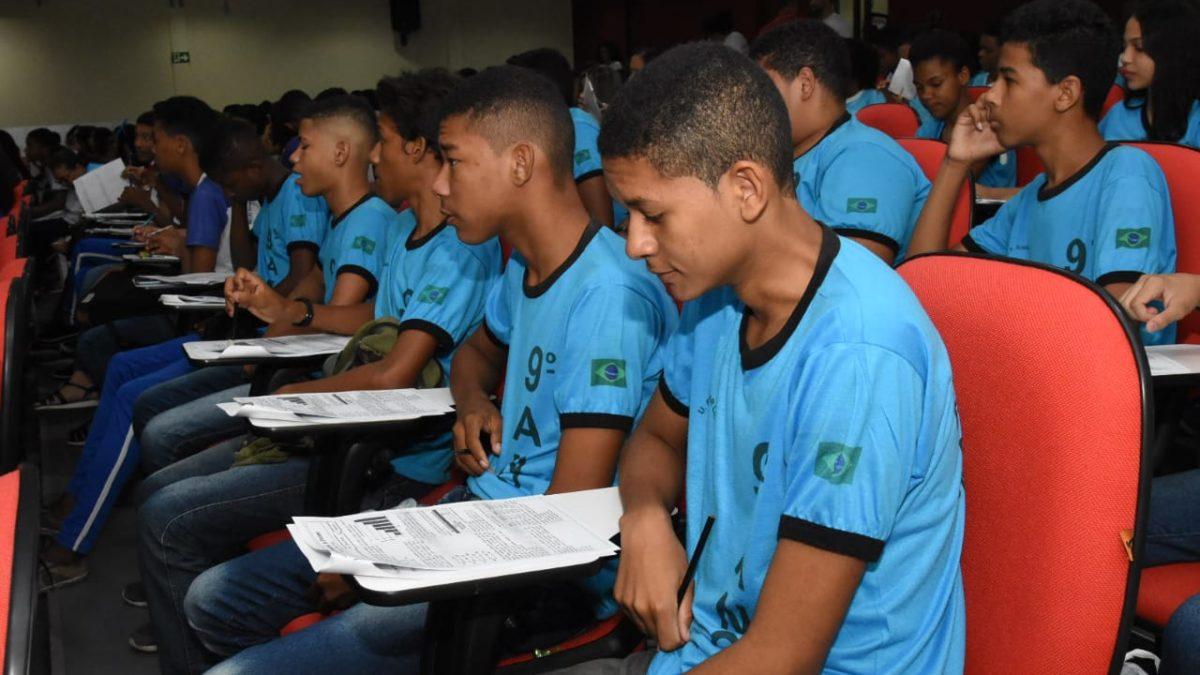 Alunos da rede municipal de Floriano participam de Aulão de Revisão da prova SAEB