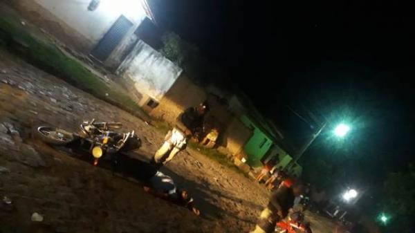Jovem de 18 anos é morto a tiros em rua de Floriano