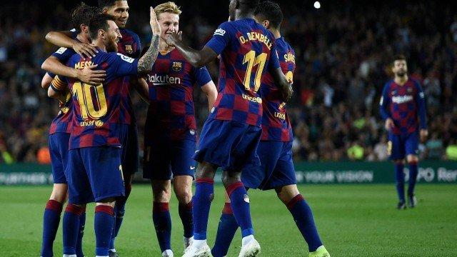 Jogadores do Barcelona receberam 92 milhões de euros em bônus da última temporada