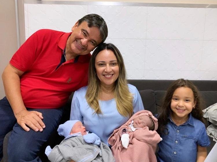 EM OFF: Nasceu Esther e Arthur neta e neto do governador e mais…