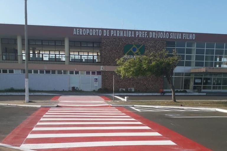 Governo do Estado melhora sinalização do Aeroporto de Parnaíba e implanta ciclofaixas em via de acesso
